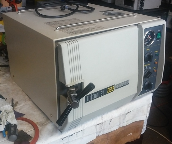 Picture of Reconditioned Tuttnauer 2340MK - Manual Autoclave